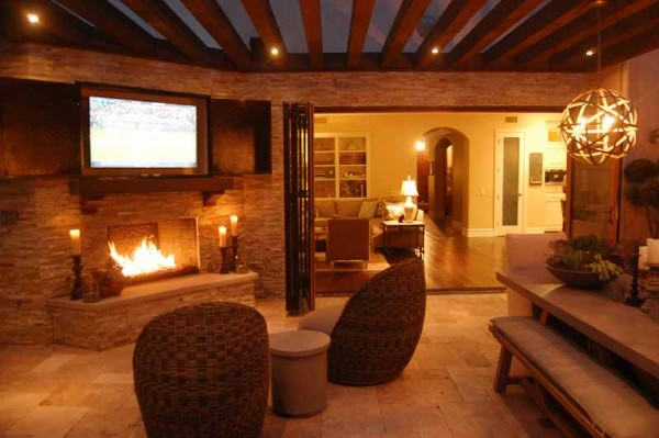 The Winns – Entertain by firelight in your outdoor living room