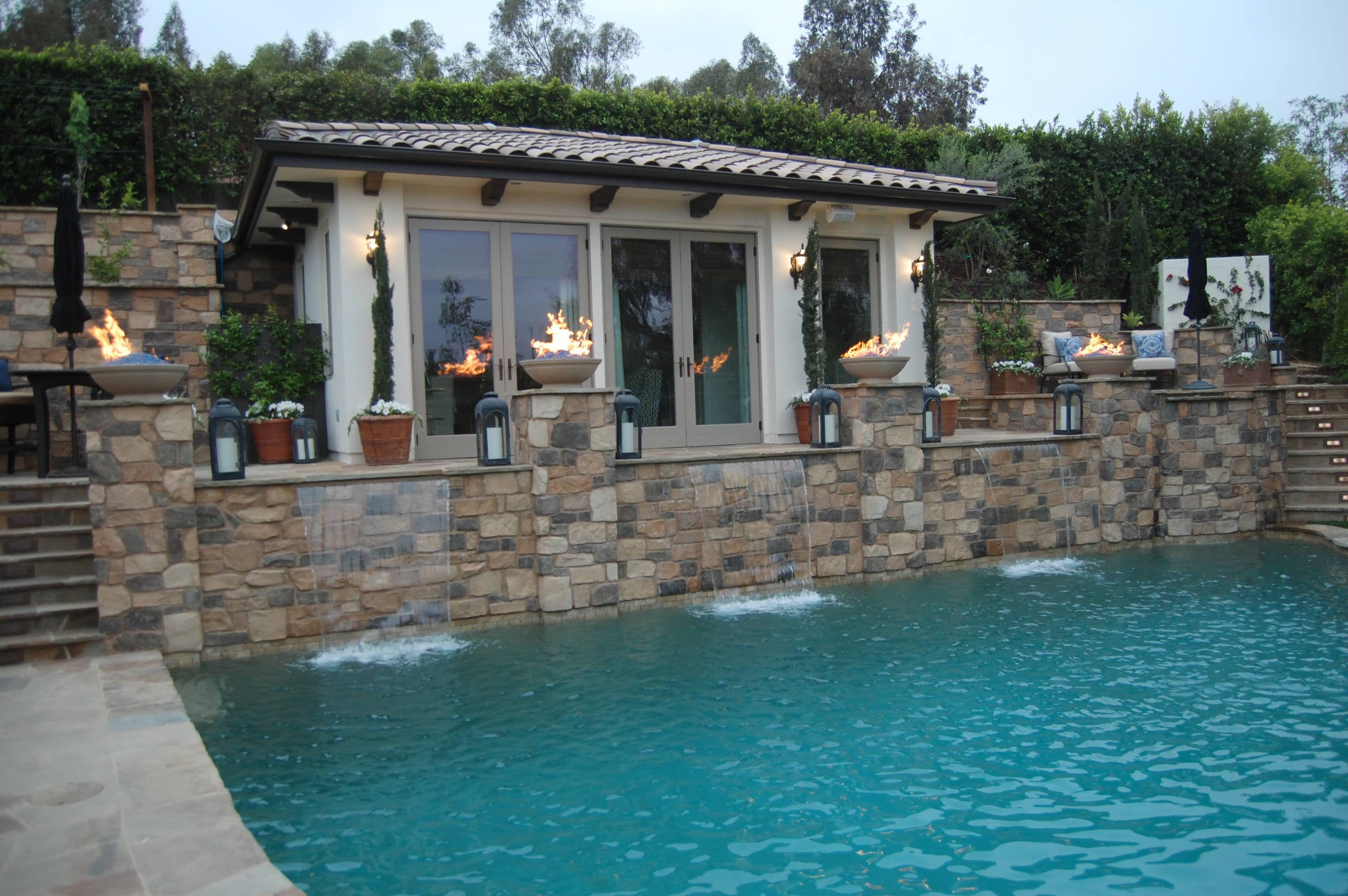 Celebrity House   Pool, Fire Bowls, Outdoor Living Room