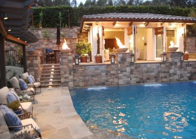 Celebrity House - pool, fire bowls, outdoor living room