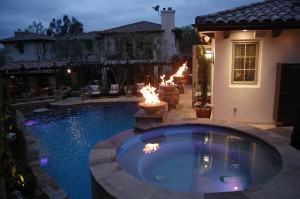 Celebrity House – pool, fire bowls, outdoor living room