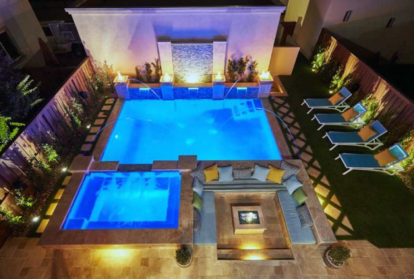 south-redondo-beach-pool-bar-hottub-fountain-15